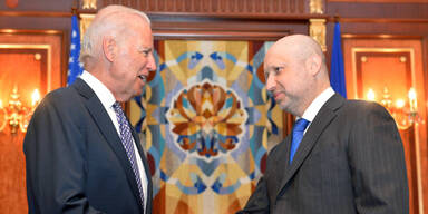Jo Biden, Oleksander Turchinov