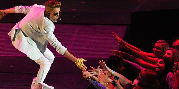 Justin Bieber von Fan attackiert