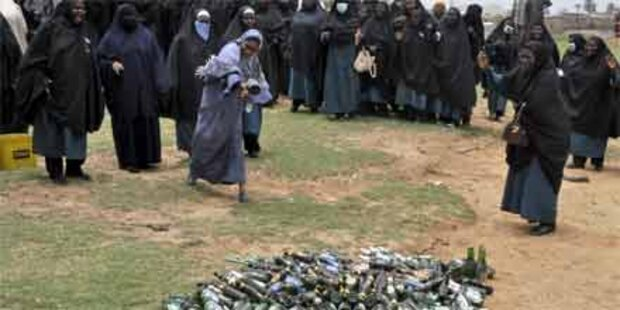 Islamisten zerstören 80.000 Bierflaschen