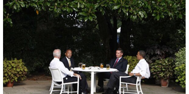 Obama schenkt Bier zur Versöhnung aus