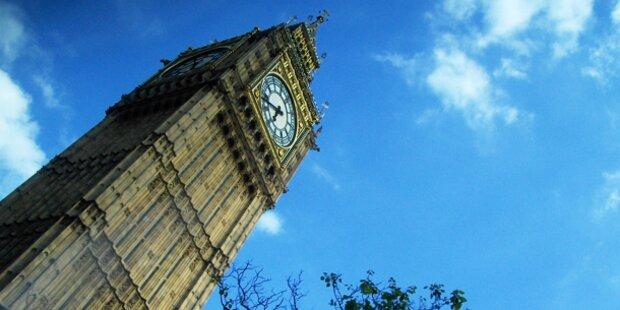 Big Ben wird zum schiefen Turm