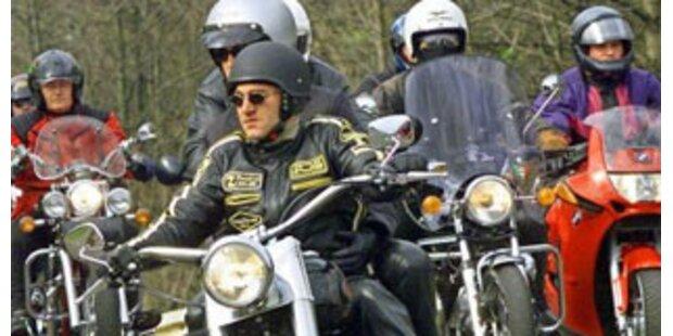30 Motorradlenker in Vorarlberg angezeigt