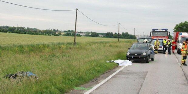 Biker stirbt bei Crash mit Pkw