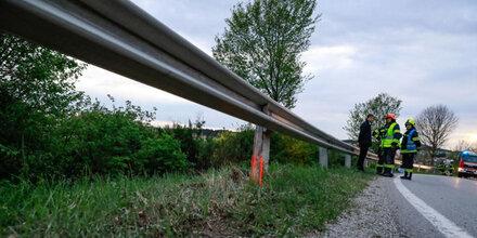 Biker (31) crasht in Leitschiene - tot