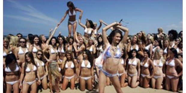 Bikini-Mädchen sorgen für neuen Weltrekord