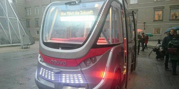 Erster Bus ohne Fahrer kurvt durch Salzburg