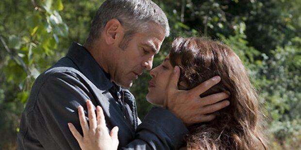 Clooney ist Jungfrau bei Sex-Szenen