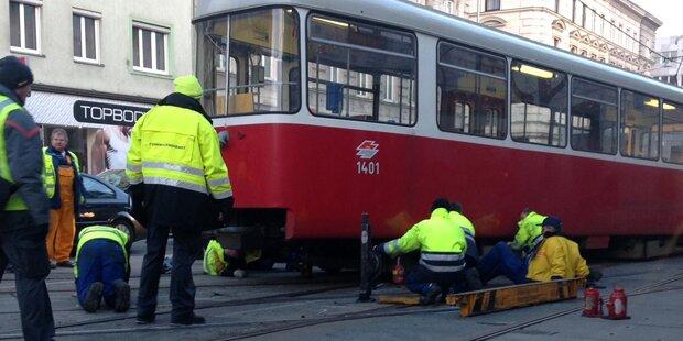 Verkehrs-Chaos nach Bim-Unfall in Wien