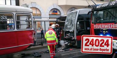 Straßenbahn-Crash löste Verkehrs-Chaos aus