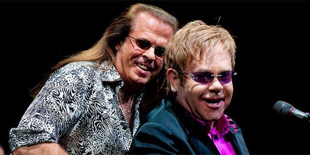 Bassist von Elton John tot aufgefunden