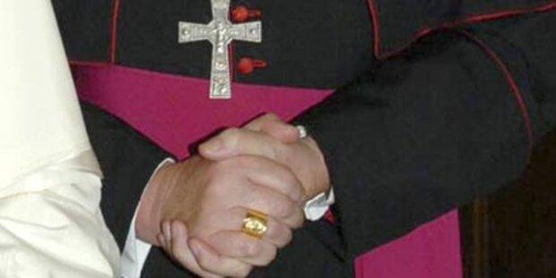 Ex-Bischof gibt Missbrauch zu