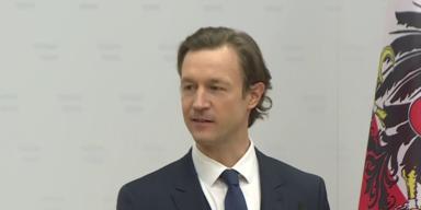 Finanzminister Blümel gegen Doppelspitze bei ÖBAG