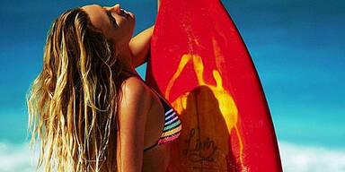 Sexy Surfer-Girl verlost Traum-Date
