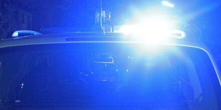 Pkw gegen Lkw: Drogenlenker flüchtete