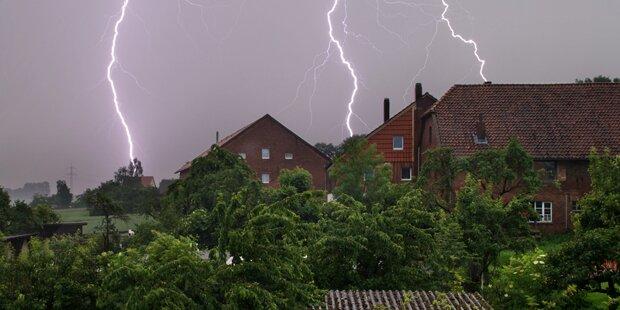 Mutter und Tochter vom Blitz getroffen