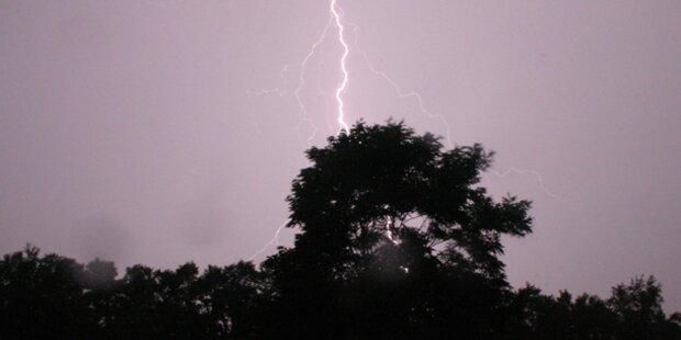 Beim Duschen zweimal vom Blitz getroffen