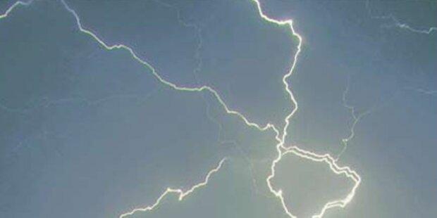 Auto im Lungau von Blitz getroffen