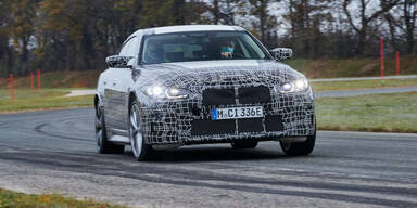 Model-3-Gegner BMW i4 in finaler Testphase