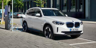 BMW sichert Batteriekapazität für E-Autos ab