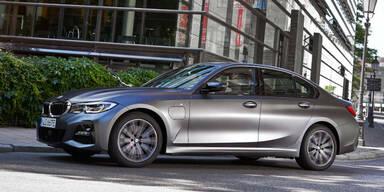 BMW 3er & 5er: Neue Plug-in-Hybrid-Einstiegsmodelle