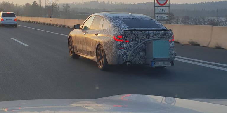 Mysteriöser BMW-Prototyp auf der A8 erwischt