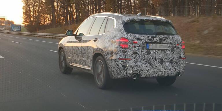 BMW-Erlkönig auf der A1 erwischt
