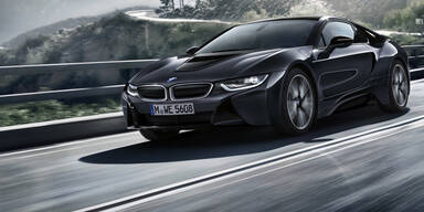 BMW greift mit besonderem i8 an