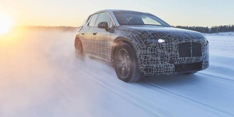 BMWs Elektro-Flaggschiff im Wintertest