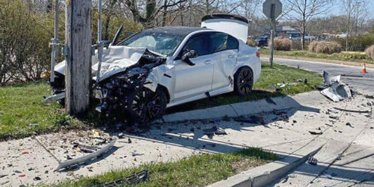 Neuen 600-PS-BMW nach fünf Minuten geschrottet