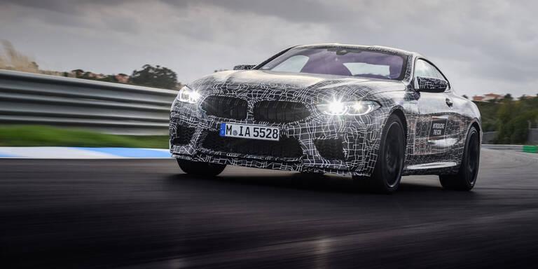 BMW lässt neuen M8 von der Leine