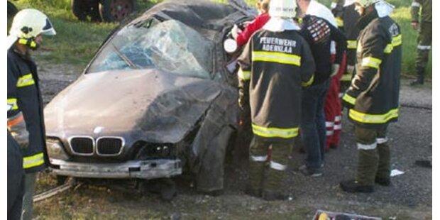 BMW überschlug sich viermal