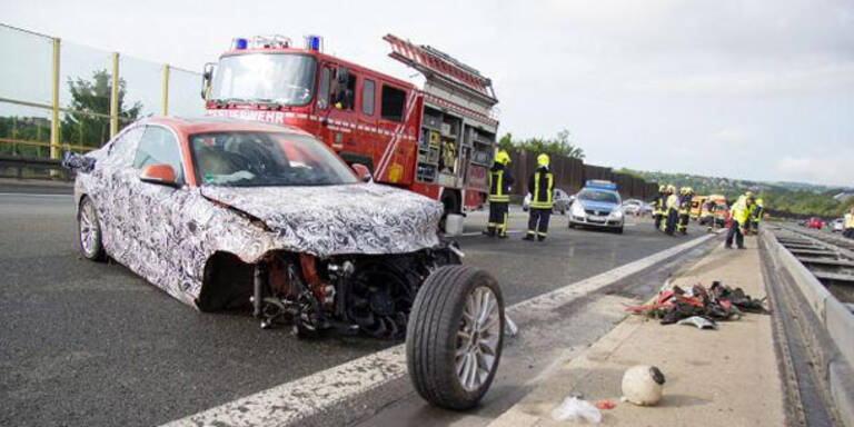Testfahrer schrottet BMW 2er Prototyp