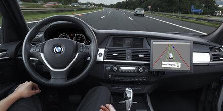 Hacker können Autos fernsteuern