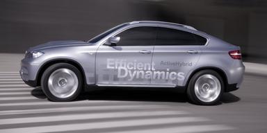 Statt auf Wasserstoff setzt BMW verstärkt auf den Hybridantrieb, wie hier beim X6 Active Hybrid. Bild: BMW AG