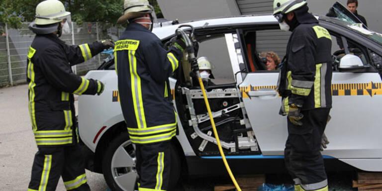 Elektroauto BMW i3 im Crashtest