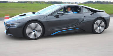 BMW bläst trotz Kritik zum Angriff