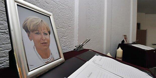 Trauerfeier für getötete Bankiersfrau
