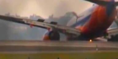 10 Verletzte: Wieder Boeing-Bruchlandung