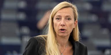 Bogner-Strauß fordert Dornauers Rücktritt