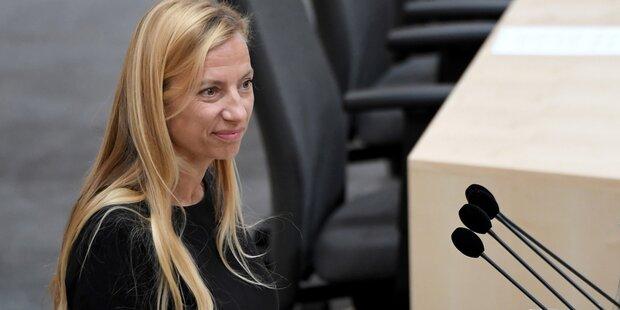 Frauenministerin attackiert Peter Pilz