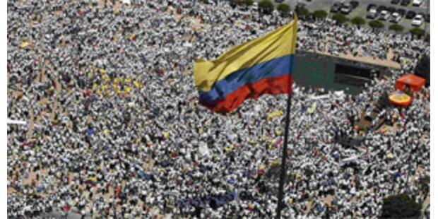 Massenproteste gegen FARC in Kolumbien