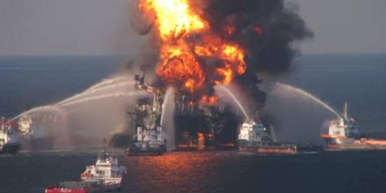US-Bohrinsel im Meer versunken