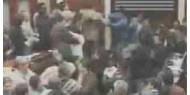 Schlägerei in Boliviens Parlament