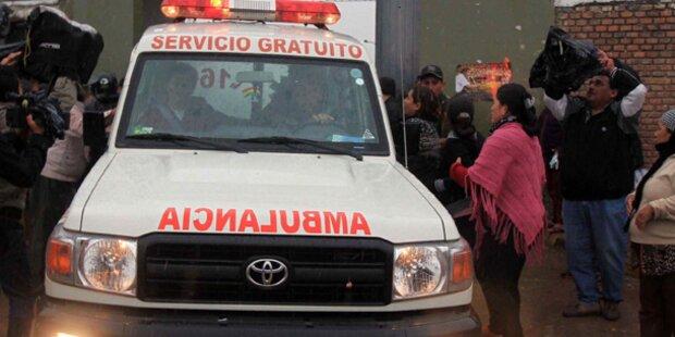 Lehrer und Kinder bei Busunfall getötet