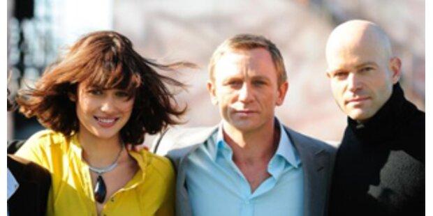 Daniel Craig haucht