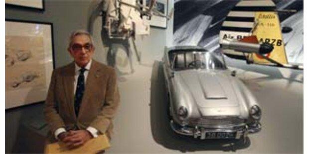 Tödliche Requisiten bei Bond-Ausstellung in London