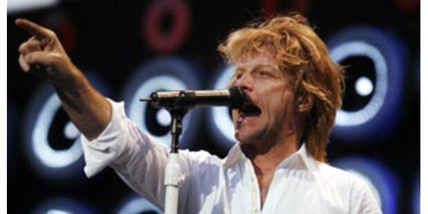 Mit Bon Jovi als Videostar mit auf der Bühne
