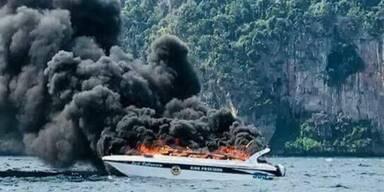 Touristenboot in Thailand explodiert