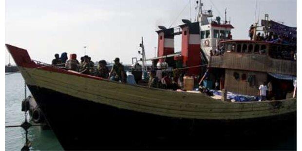 Flüchtlingsboot seit 3 Tagen in Seenot