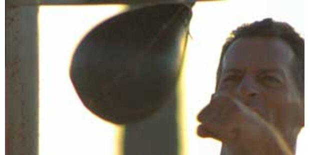 Schuldirektor als Punching-Ball in chin. Schule